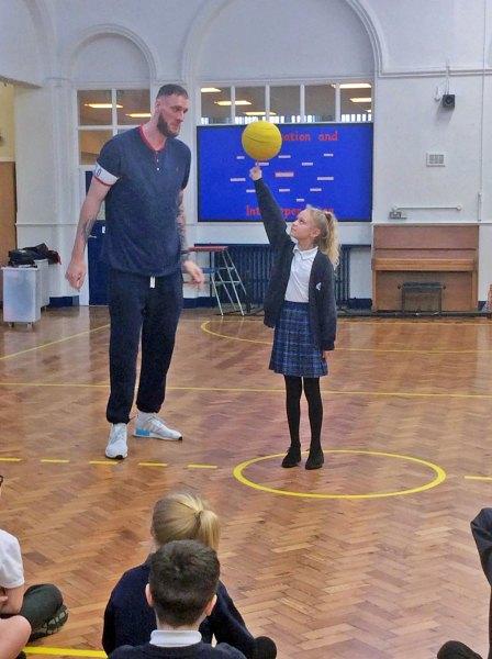 Britain's Tallest Man - Paul Sturgess visits Park Primary School