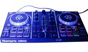 Earnies - DJs